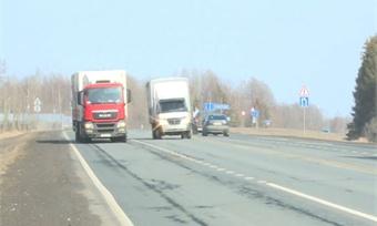 Водителей большегрузов без тахографов начнут штрафовать с завтрашнего дня