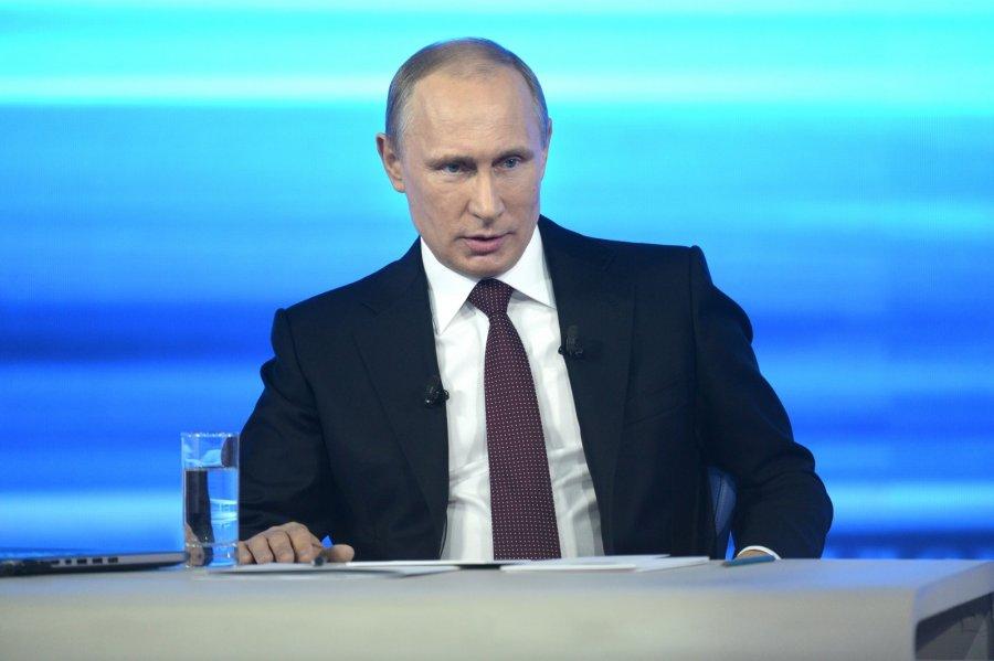Путин поручил повысить безопасность полетов с помощью ГЛОНАСС и медосвидетельствования авиаперсонала