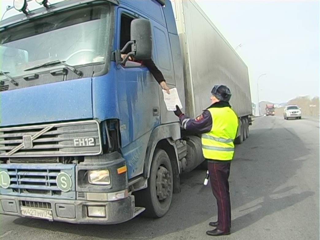 Предлагается наказывать организации и ИП, которые не предоставляют сведения о транспорте, оснащенном тахографами или спутниковой навигацией