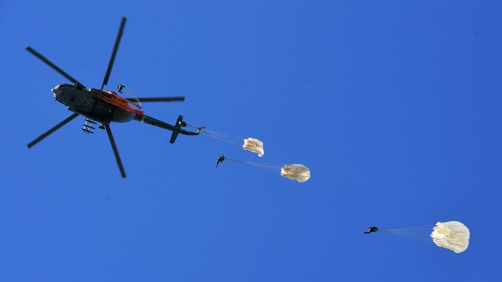 """Новейшая грузовая парашютная система """"Юнкер-ДГ-250"""""""